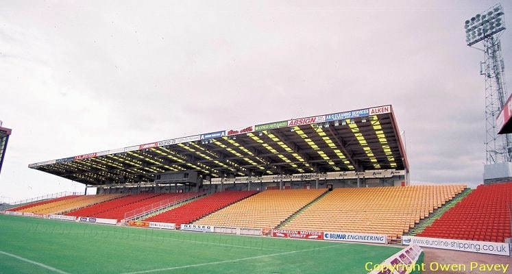 aberdeen-fc-pittodrie-stadium-south-stand-1428182869