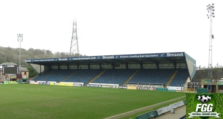 adams-park-wycombe-wanderers-fc-away-fans-end-1420034840