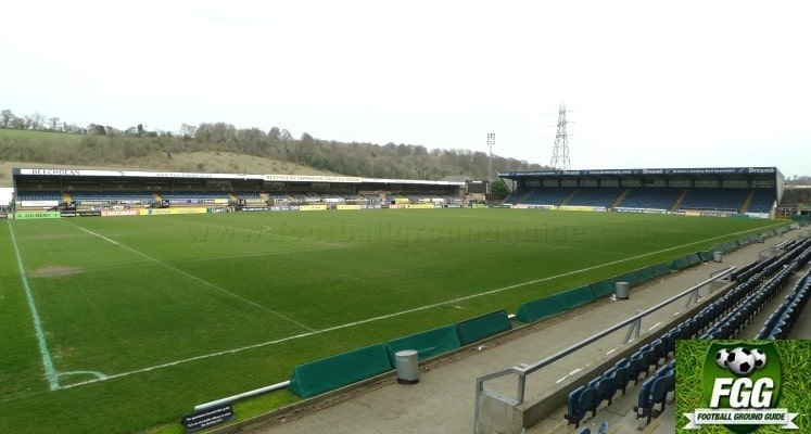 adams-park-wycombe-wanderers-fc-main-and-away-stands-1420034840