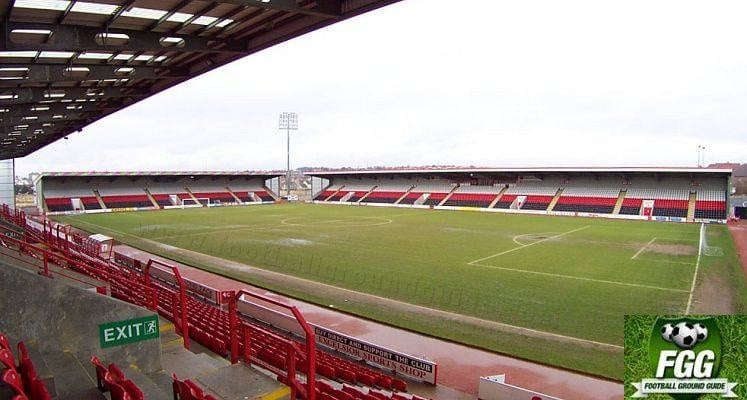airdrieonians-stadium-east-and-north-stands-1435143494