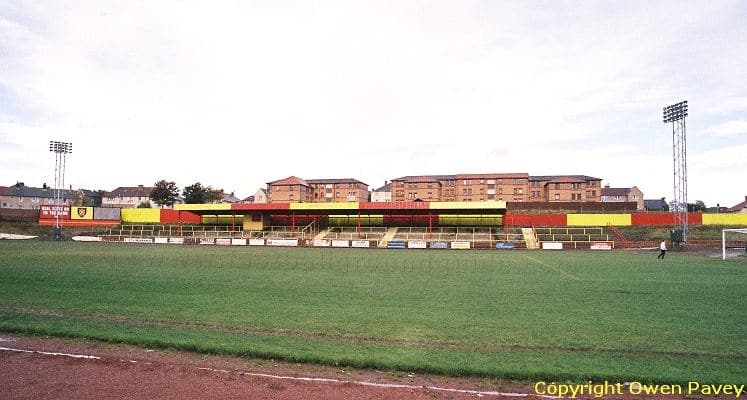 albion-rovers-cliftonhill-stadium-covered-terrace-1435840400