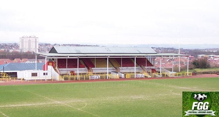 albion-rovers-cliftonhill-stadium-main-stand-1435840400