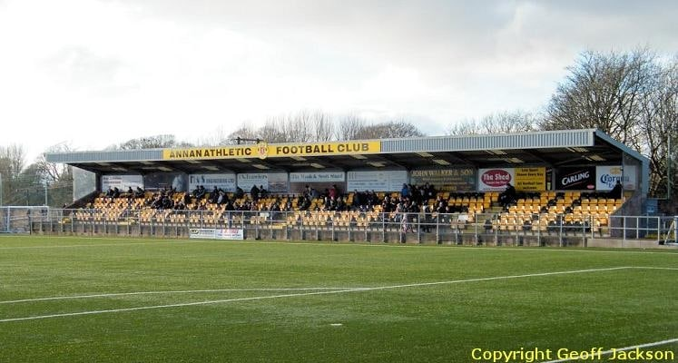 annan-athletic-fc-galabank-main-stand-1436285111