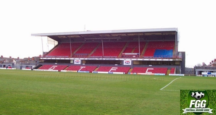 blundell-park-grimsby-town-fc-findus-stand-1420820167