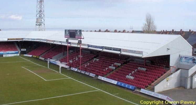 blundell-park-grimsby-town-fc-osmond-stand-1420820167