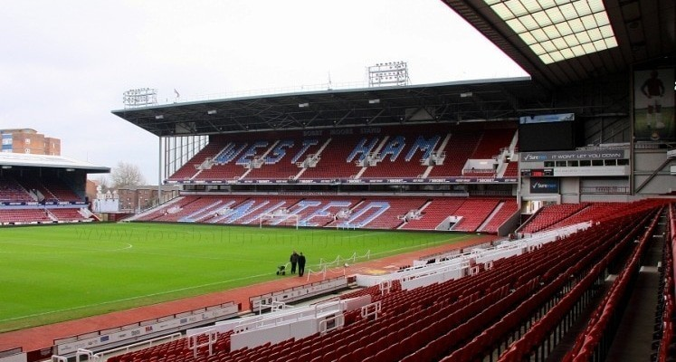 boleyn-ground-west-ham-united-bobby-moore-stand-1411819133