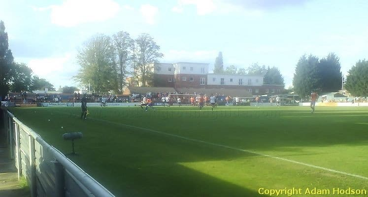 braintree-town-fc-cressing-road-clubhouse-end-1420551903