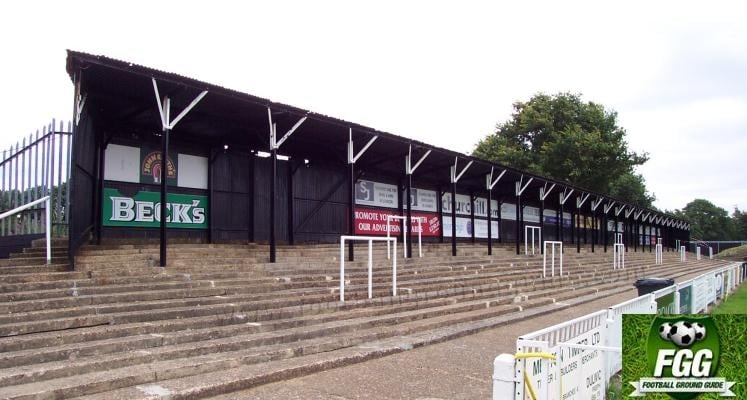 bromley-fc-hayes-lane-north-terrace-1422551278
