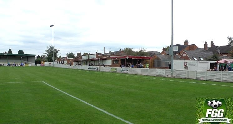 bromsgrove-sporting-fc-victoria-ground-social-club-side-1475148969