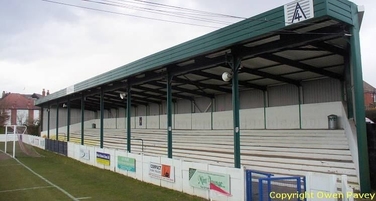 bromsgrove-sporting-victoria-road-ground-north-terrace-1470050575