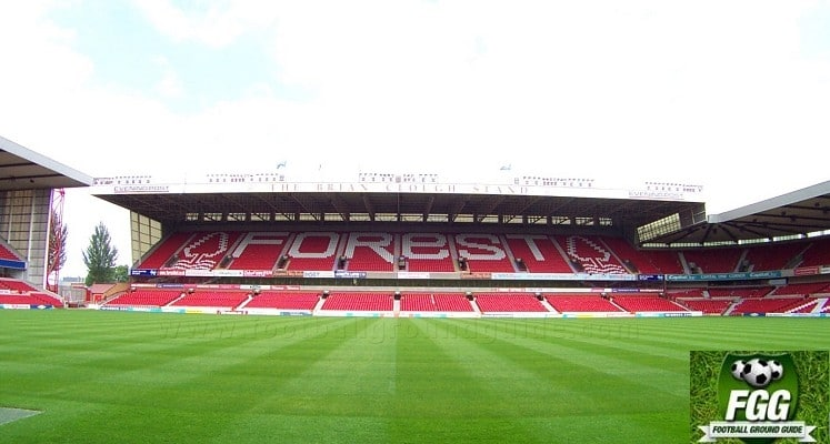 city-ground-nottingham-forest-fc-brian-clough-stand-1417082198