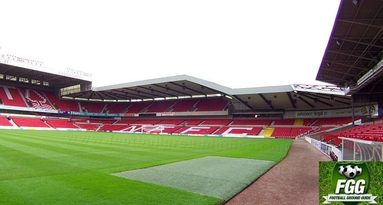 city-ground-nottingham-forest-fc-bridgford-stand-1417082198