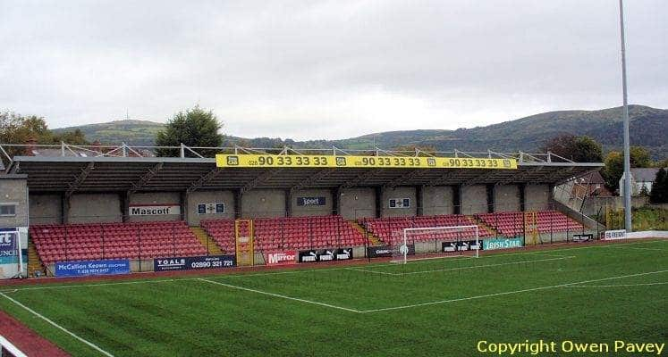 cliftonville-solitude-ground-away-end-1464979867