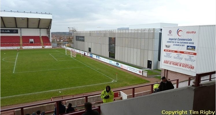 clyde-fc-broadwood-stadium-leisure-centre-end-1436819062
