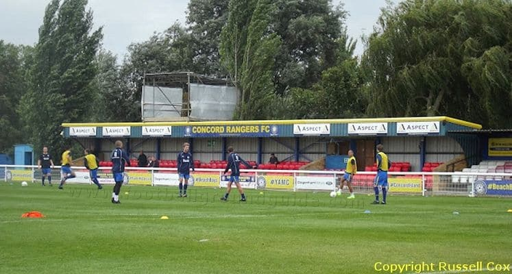 concord-rangers-fc-thames-road-main-stand-1422562257