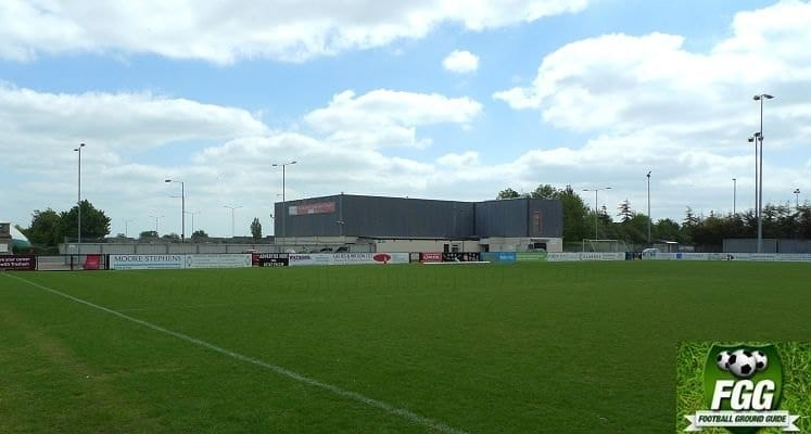 corby-town-fc-steel-park-stadium-clubhouse-end-1438423503