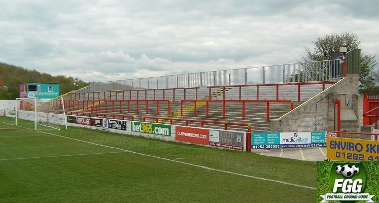 crown-ground-accrington-stanley-fc-coppice-terrace-1418915244