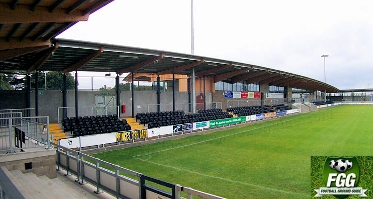 dartford-fc-princes-park-main-stand-1420632106