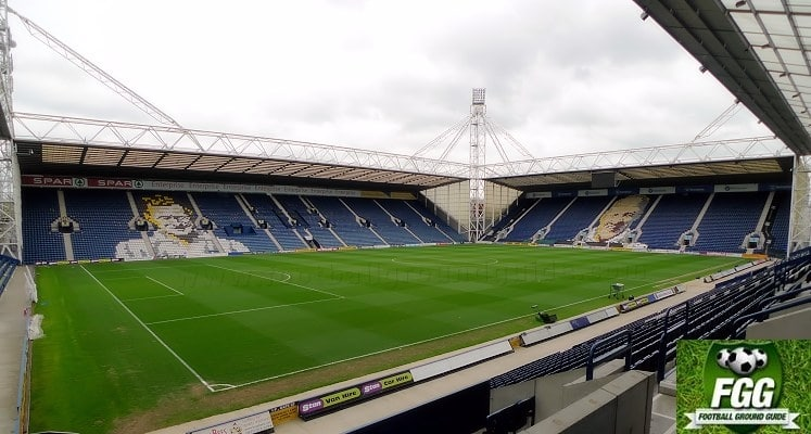 deepdale-preston-north-end-fc-tom-finney-and-bill-shankly-stands-1418235477
