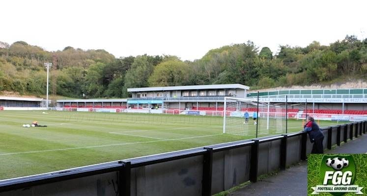 dover-athletic-crabble-ground-main-stand-1509563606
