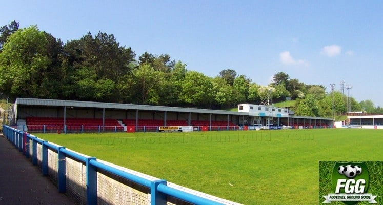 dover-athletic-fc-crabble-athletic-ground-main-stand-1420723684