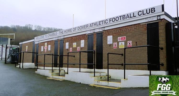 dover-athletic-fc-crabble-athletic-welcome-sign-1470509260