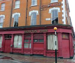 Drayton Park Pub Near Emirates Stadium
