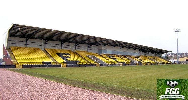 east-fife-fc-bayview-stadium-main-stand-1436456126