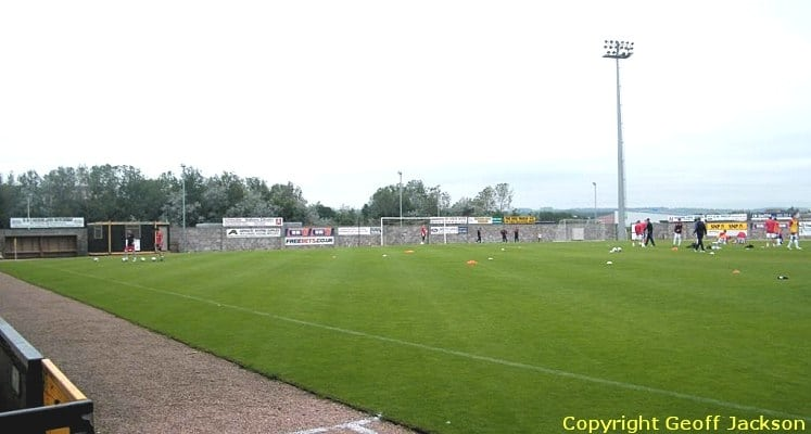 east-fife-fc-bayview-stadium-west-end-1436456126