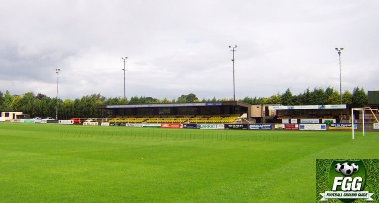 harrogate-town-afc-wetherby-road-main-stand-1421588773