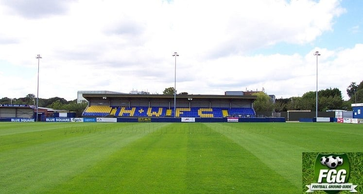 havant-and-waterlooville-fc-westleigh-park-main-stand-1422740620