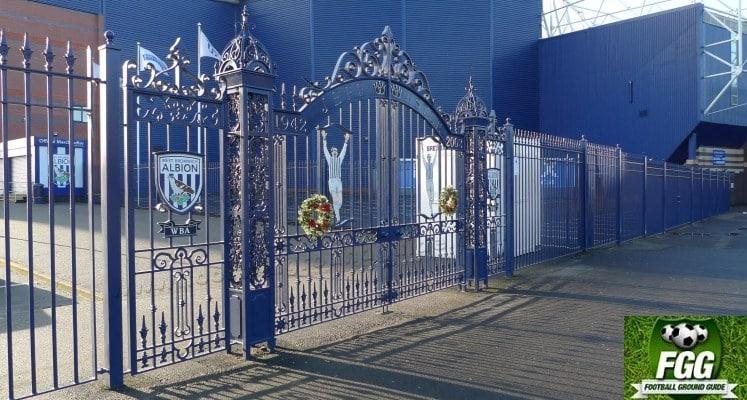 jeff-astle-gates-west-bromwich-albion-fc-1411814241