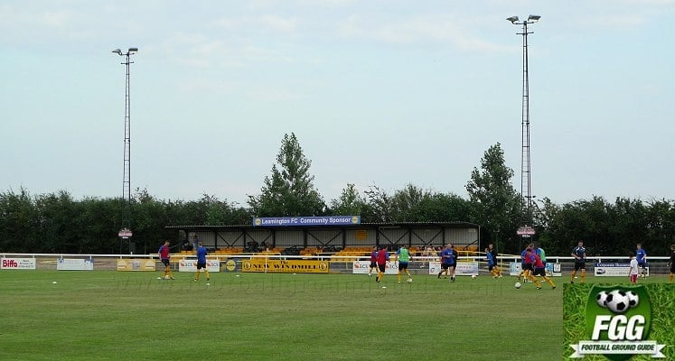 leamington-fc-new-windmill-ground-east-stand-1421674349