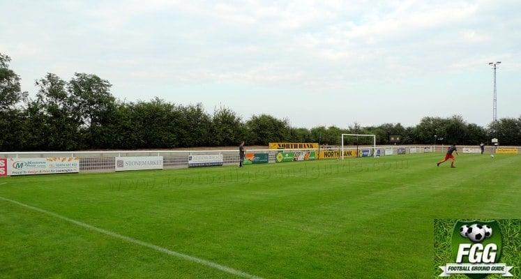 leamington-fc-new-windmill-ground-north-bank-1421674350