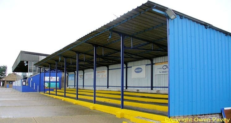 lowestoft-town-fc-crown-meadow-covered-terrace-1421685312
