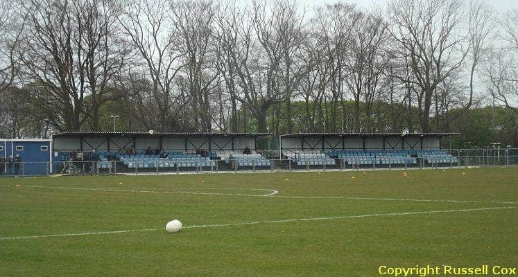 margate-hartsdown-road-seated-stands-1438861170