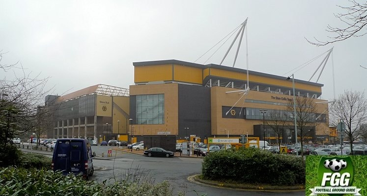 molineux-wolverhampton-wanderers-fc-looking-from-asda-1417263999