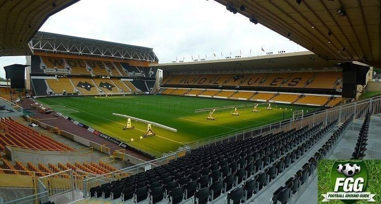 molineux-wolverhampton-wanderers-stand-cullis-and-steve-bull-stands-1578068458