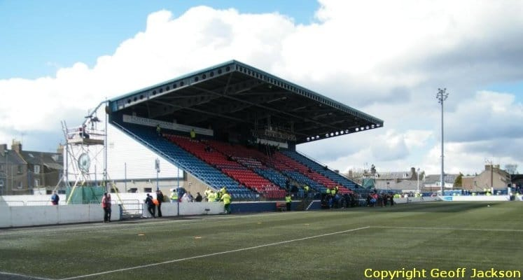 montrose-fc-links-park-main-stand-1436532951