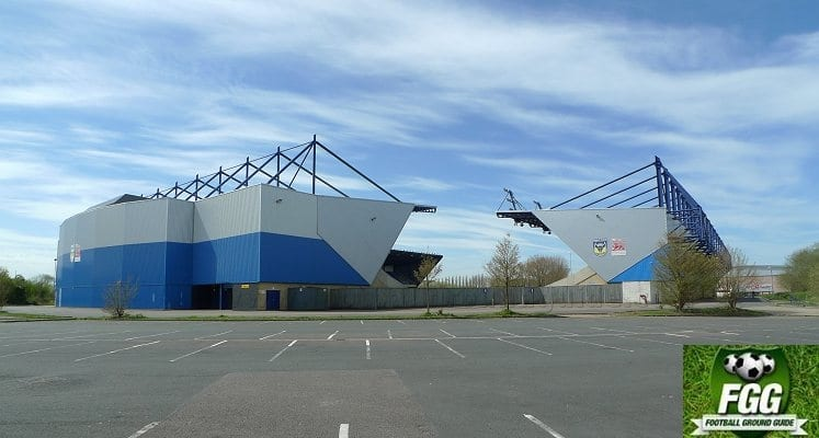 oxford-united-kassam-stadium-north-and-east-stands-external-view-1440605738