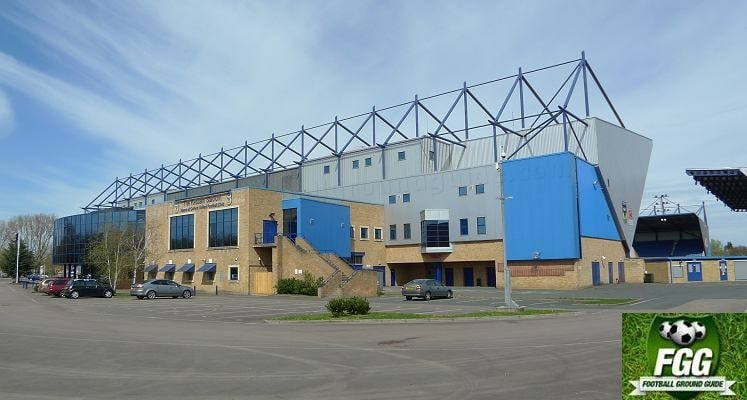 oxford-united-kassam-stadium-south-stand-external-view-1440605739