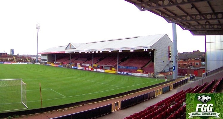 partick-thistle-fc-firhill-stadium-main-stand-1432051358