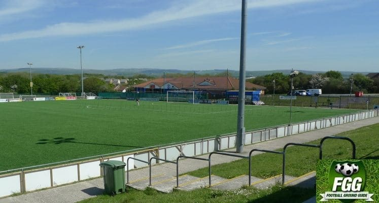 penybontfc-bryntirion-park-clubhouse-end-1565814119