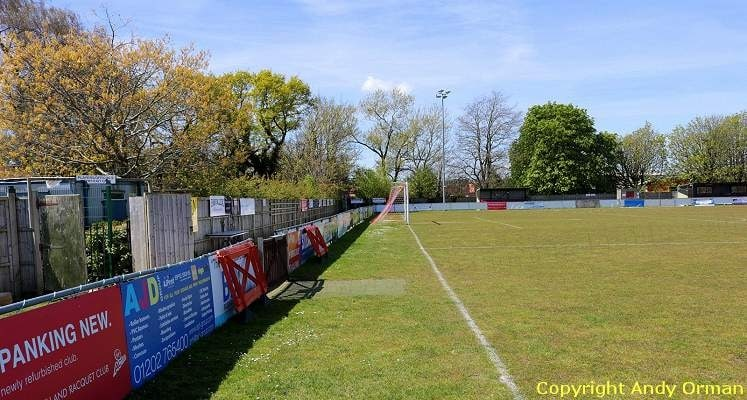poole-town-tatnam-ground-town-end-1470395668