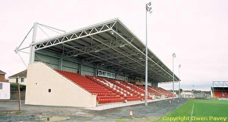 portadown-shamrock-park-met-stand-close-up-1464954531