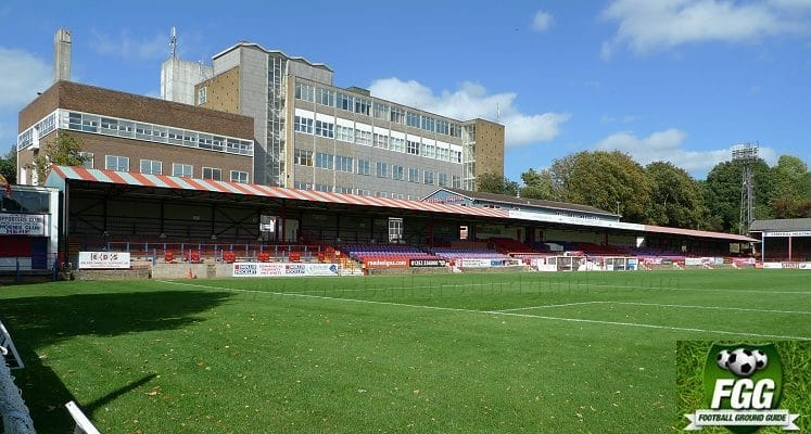 recreation-ground-aldershot-town-fc-main-stand-1420490553