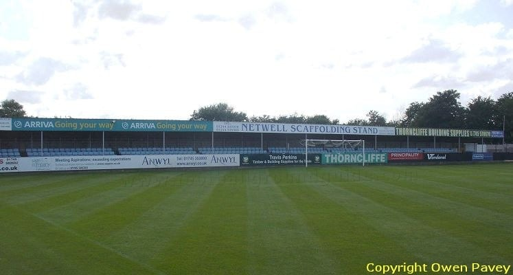 rhylfc-belle-vue-stadium-coronation-gardens-end-1460146519