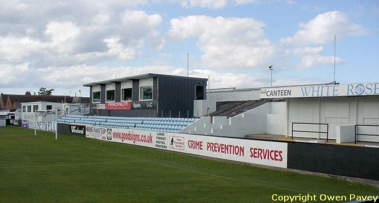 rhylfc-belle-vue-stadium-grange-road-end-1460146519