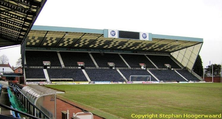 rugby-park-kilmarnock-fc-moffat-stand-1430855779