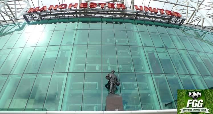 sit-matt-busby-statue-old-trafford-manchester-united-1539705864